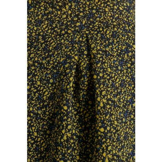 culture shorts reni-02